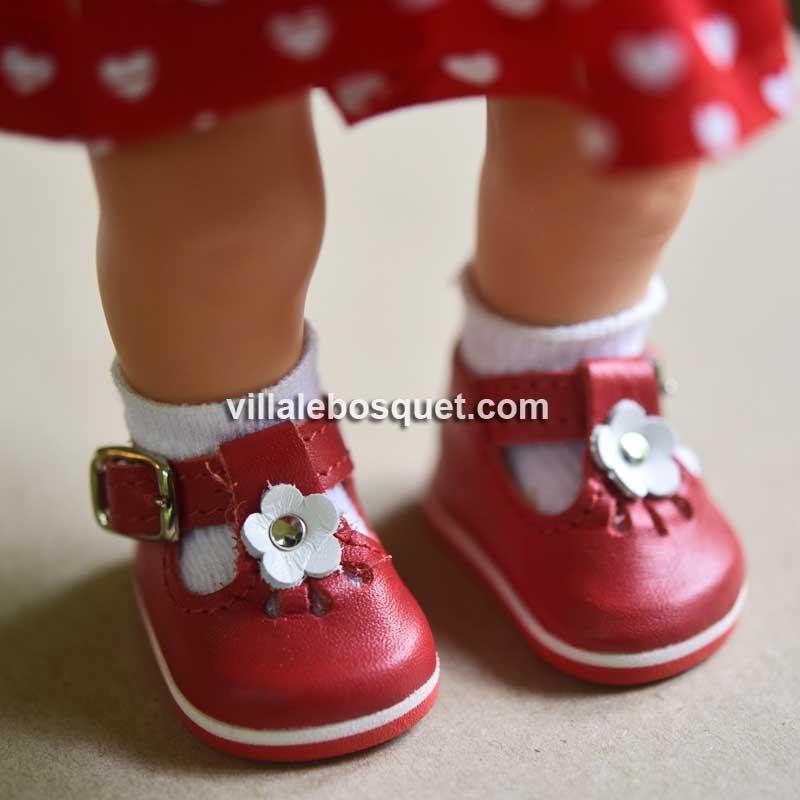 Les belles chaussures en cuir pour les poupées par Wagner