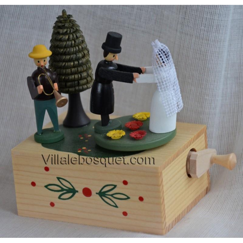 boite a musique mariage cadeau jouet en bois villa le. Black Bedroom Furniture Sets. Home Design Ideas