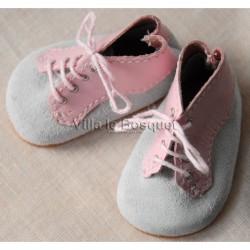 CHAUSSURES ROSES/GRISES A LACER - chaussures de poupées