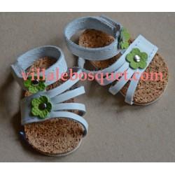 SANDALES WAGNER EN CUIR BLANC FLEUR ROSE - chaussures de poupées