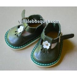CHAUSSURES WAGNER EN CUIR VERT AVEC BOUCLE - chaussures de poupées