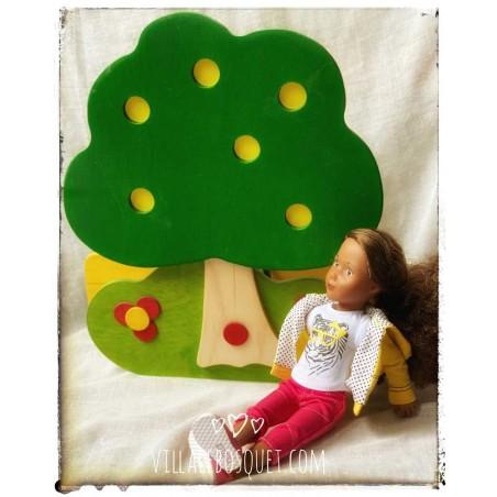 Objets utiles et décoratifs pour la chambre d'enfant.