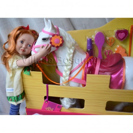 Accessoires et jouets pour les poupées de Sylvia Natterer.