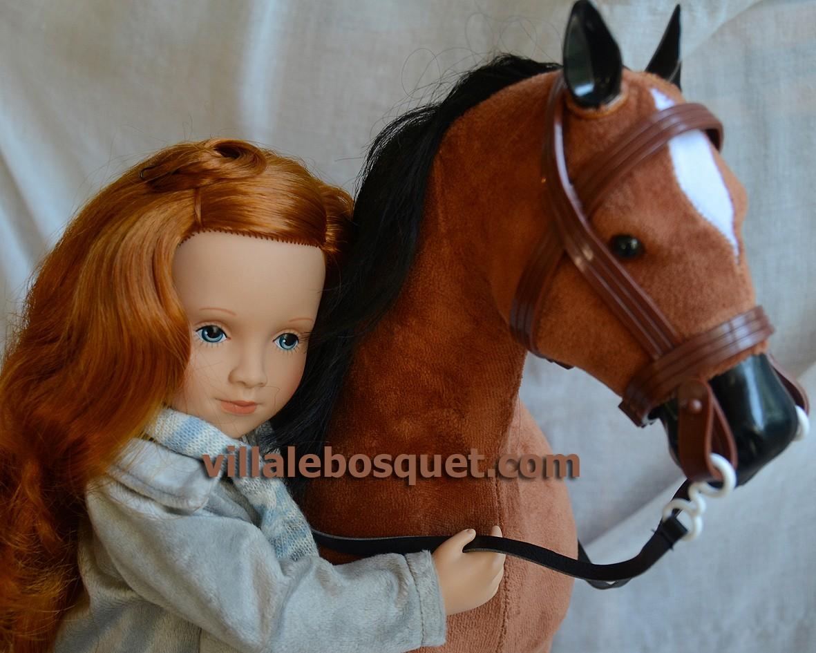 Les meilleurs copains de nos poupées: les beaux chevaux et les belles peluches pour les poupées!