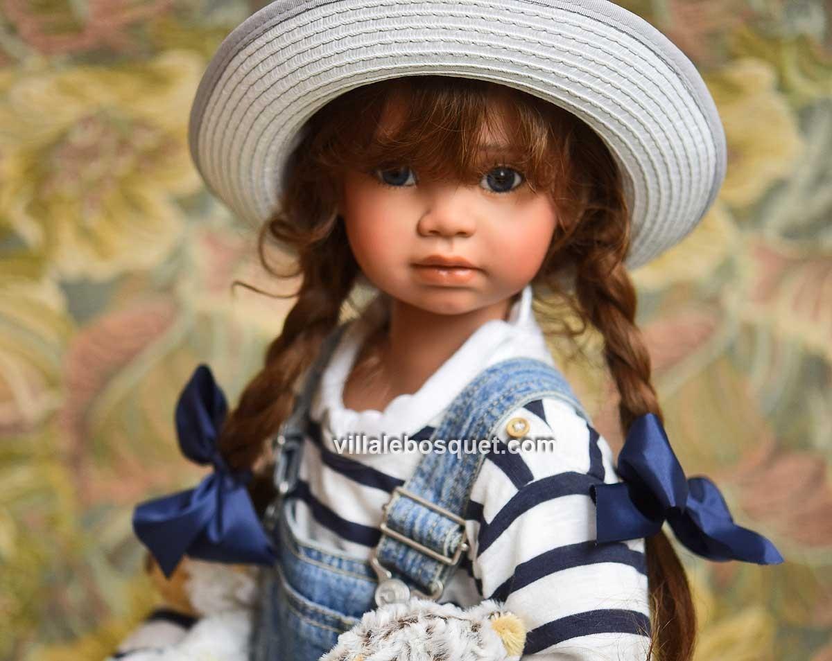 Marie-Pierre, une des superbes poupées d'Angela Sutter est sur notre site!
