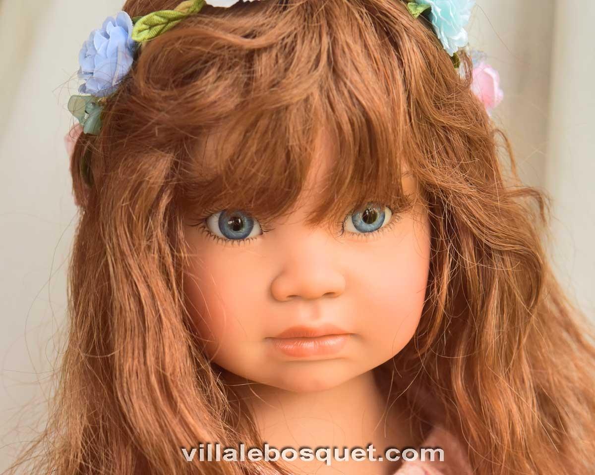 Ortense, une des superbes grandes poupées d'Angela Sutter est sur notre site!